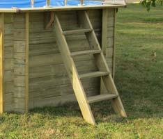 Echelle extérieure en bois pour piscine