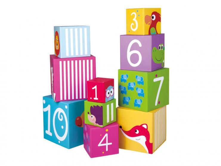 cubes à empiler - pyramide de cubes