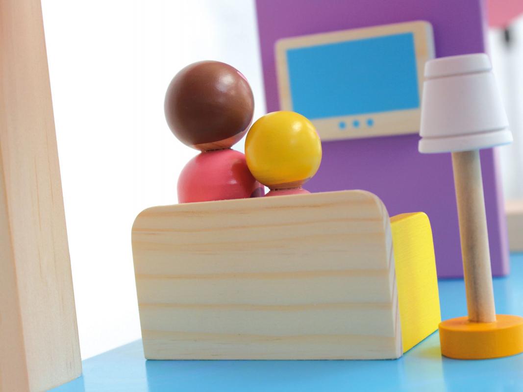 Maison poupée en bois pour enfant 6cb643c9fb23