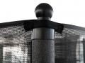 Filet antichute fixé sur support métallique en acier galvanisé