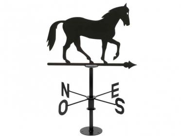 Longueur de la flèche : 45,5 cm, hauteur de la figurine : 34 cm