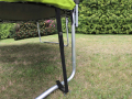 Pour fixer et stabiliser le trampoline au sol